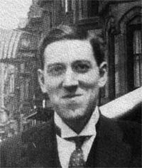 Lovecraft_smiling